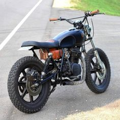 caferacersofinstagram: The Black and Tan Yamaha XS400...  caferacersofinstagram:  The Black and Tan Yamaha XS400 Scrambler built by @holdfastmotors. Ready for some dirt action. Thanks for sharing! Photo by Chris Dolan.  Send your photos and submissions to contact.croig@gmail.com for a chance to be featured.  #croig #caferacersofinstagram