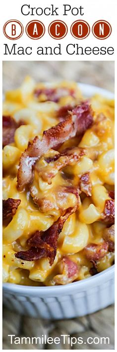 Crockpot Bacon Mac and Cheese Comfort Food Recipe your family will love! This easy crock pot slow cooker recipe is a family favorite. Add in jalapeno for a bit of spice. via @tammileetips