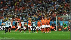 Argentina venció a Holanda en los penales y es finalista después de 24 años - http://www.leanoticias.com/2014/07/09/argentina-vencio-a-holanda-en-los-penales-y-es-finalista-despues-de-24-anos/