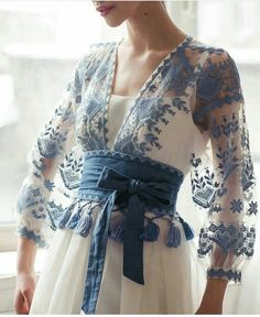 Super love this sheer blue outfit on white tank top. Looks casual, elegant & perfect for tropical Indonesia. Fashion Details, Fashion Design, Fashion Trends, Fashion Quiz, Fashion Hacks, Color Fashion, 70s Fashion, Fashion History, Modest Fashion