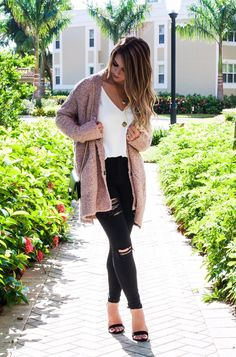 Black heels outfit · the fall of cozy cardigans, cozy cardigans, pink cardigan, mauve cardigan, free Black Heels Outfit, Heels Outfits, Fall Outfits, Casual Outfits, Fashion Outfits, Black Jeans Outfit Fall, Casual Jeans, Fall Layered Outfits, Jeans Fashion