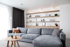 De woning van onze opdrachtgever heeft door een verbouwing en restyling een volledige metamorfose ondergaan. Wij zijn van A-Z betrokken bij het project.