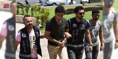 Marmaris'te sahte kimlik tatil yapan Suriyeli yakalandı: Muğla'nın Marmaris ve Bodrum ilçelerinde, beş yıldızlı otellerde sahte kimlik ve sahte #Dolar ile tatil yaptığı belirlenen Suriyeli 35 yaşındaki Ahmed Saljin polis tarafından Mersin'de kaldığı otelde yakalandı.