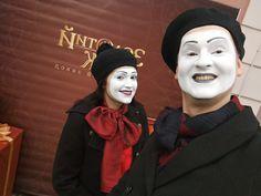Mime Halloween Costume, Female Clown, Clowns, Captain Hat, Goth, Fashion, Gothic, Moda, Fashion Styles