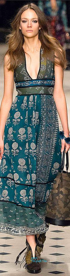 216bff4fa0 #LFW Burberry Prorsum Fall 2015 RTW ♔THD♔ Runway Fashion, Fashion Trends,