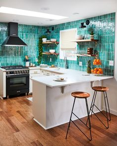 Looking for a durable subway tile?Glazed Thin Brick Light Green is a perfect addition to your kitchen backplash, bathroom, fireplace, or commercial project. Retro Home Decor, Home Decor Kitchen, Kitchen Design, Kitchen Ideas, Kitchen Inspiration, Kitchen Furniture, Wood Furniture, Diy Interior, Interior Design