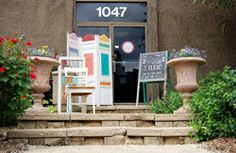 Di Lucca Designs at Itasca, ILLINOIS has a rustic warehouse style with French vintage treasures.