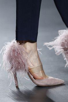 coolchicstylepensiero:Fashion Runway | The 2nd SKIN Co....