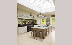 West Sussex Country House - Handmade Kitchens   Traditional Kitchens   Bespoke Kitchens   Painted Kitchens   Classic Kitchens
