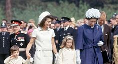 ♛ The Kennedy Family ♛...Jackie Kennedy with her children, Caroline and John Kennedy Jr. meet with Queen Elizabeth II and Prince Philip, Duke of Edinburgh, 1965.
