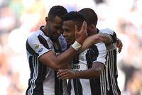 Juventus Turin: championne d'Italie pour la sixième fois d'affilée                                                                                 Rome - La Juventus Turin a remporté dimanche son sixième titre de ch... http://www.lexpress.fr/actualites/1/sport/juventus-turin-championne-d-italie-pour-la-sixieme-fois-d-affilee_1910277.html