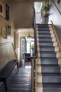 subtle, neutral palette in a traditional hallway/stairwell