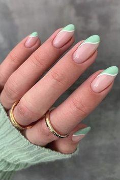 Acrylic Nails Coffin Short, Best Acrylic Nails, Acrylic Nail Designs, Nail Tip Designs, Acrylic Nails Green, Rounded Acrylic Nails, Green Nail Designs, Green Nail Art, Simple Acrylic Nails