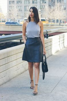 holiday outfit, how to style your midi skirt