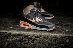 Ladies, the Nike WMNS Air Max 90 is available at our shop now! EU 36 - 42 | 140,-€