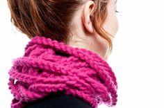 Cuello fucsia trenzado cuello de lana ganchillo