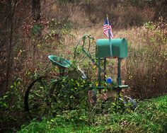 Beautiful Picture of a mail box Country Mailbox, Rural Mailbox, Mailbox Ideas, Funny Mailboxes, Unique Mailboxes, Vintage Mailbox, Photography Journal, You've Got Mail, Going Postal