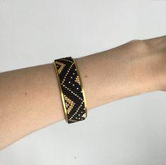 Bracelet manchette rigide et tissage perles miyuki noires mattes et plaquées or 24 carats