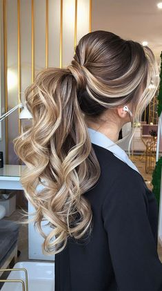 Gorgeous ponytail hairstyle to complete your look this spring & summer <br> Looking for the perfect hairstyle to complete your look this spring and summer? As the weather is getting warmer, ponytail is ideal for warm. Messy Ponytail Hairstyles, Bride Hairstyles, Pretty Hairstyles, Perfect Hairstyle, Puff Ponytail, Simple Prom Hairstyles, Fancy Ponytail, Curly Hairstyle, Long Hair Wedding Styles