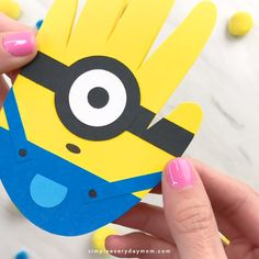 Simple Handprint Minion Card Craft For Kids is part of Kindergarten art projects - Turn your child's handprint into a sweet minion card with this easy minion card craft for kids Perfect for giving to Dad for Father's Day or any special occassion Toddler Art Projects, Cool Art Projects, Toddler Crafts, Projects For Kids, Easy Crafts For Kids, Creative Crafts, Art For Kids, Kids Work, Help Kids