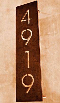 Oficina do Corten desde 2005: Letreiros, Luminosos e Numeros e Displays em Aço Corten