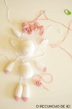 Jei 39 s Corner Step by step unicorn amigurumi Crochet Unicorn Pattern Free, Crochet Patterns Amigurumi, Crochet Dolls, Kawaii Crochet, Crochet Teddy, Crochet Baby, Free Crochet, Crochet Feather, Crochet Doll Tutorial