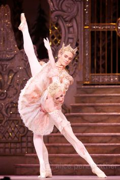 Lauren Cuthbertson as the Sugar Plum Fairy and Cory Stearns as her Cavalier - Photo: © Alice Pennefather / ROH