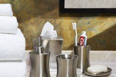 Customizing a Boring Bathroom || blog.apartmentsearch.com