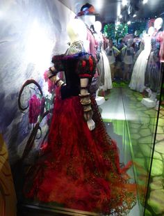 Alice Through the Looking Glass Iracebeth gown back