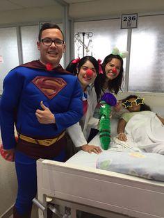 ACEM-UNE lleva risoterapia a niños hospitalizados de la zona. - Universidad del Noreste