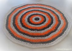 Crochet rug circle stripes