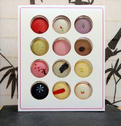 On Macarons Cafe gift box PD