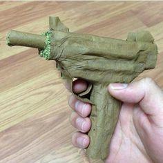 Cannabis blunt made gun Weed Girls, 420 Girls, Ganja, Blunt Art, Marijuana Art, Marijuana Plants, Medical Marijuana, Weed Art, Puff And Pass