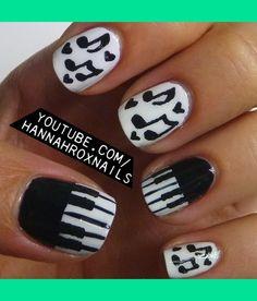 Piano and Music Notes Nails
