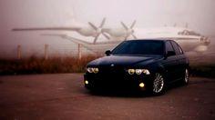Про машину: 2001, 193 л. с., двигатель дизельный, автоматическая коробка передач. Любовь к BMW мне была привита еще в раннем детстве, когда крестный подарил мне костюм DTM гонщика BMW-ой команды. С тех самых пор появился интерес к этой легендарной марки авто и желание во что бы то ни стало ее приобретения. Таким вот образом спустя 20-ть лет, детская мечта осуществилась. При выбо…