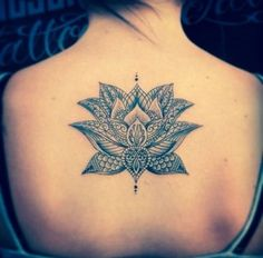 50+Awesome+Lotus+Tattoos+for+Women+and+Girls+(25)