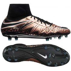 abc2651fc Buty piłkarskie Nike Hypervenom Phatal II DF w najnowszej kolorystyce  Liquid Chrome Pack! Po raz · Nike FootballKorki