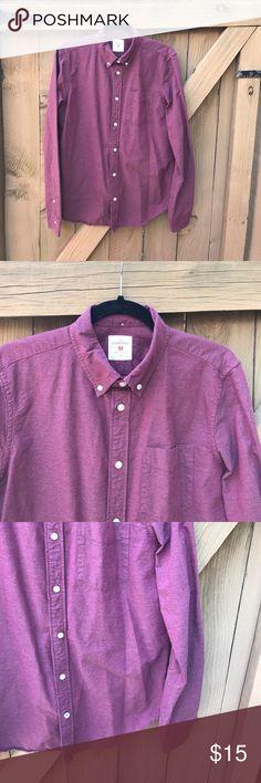 Size M GAP burgundy modern Oxford button down Size M GAP burgundy modern Oxford button down GAP Shirts Casual Button Down Shirts