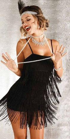 Cute and Unique Halloween Costume Ideas for Women 2018 Classy Elegant Great Gatsby Flapper Halloween Costume Ideas for Women – ideas de disfraces de halloween para mujeres – www. Classy Halloween Costumes, Halloween Costume Couple, Trendy Halloween, Women Halloween, Halloween Halloween, Couple Costumes, Group Costumes, Deer Costume, Cowgirl Costume