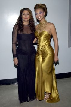 See Beyoncé's Backstage Grammy Awards Fashion Through the Years Take a look at all of Beyoncé's Grammy fashion moments through the years! Beyonce posed backstage with her mom, Tina, who designed theshimmerygold gownshe wore that night.