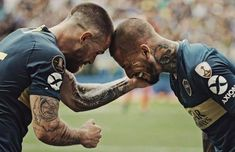 Nandez y benedetto Hair Cuts, Soccer, Football, Baseball Cards, Couple Photos, Show, Anime, Sport, Amazing People