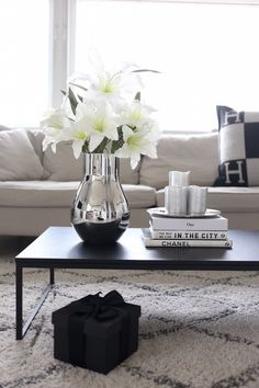 29 Tips For A Perfect Coffee Table Styling | Coffee Table Styling |  Pinterest | Black Coffee Tables, Boconcept And Black Coffee.