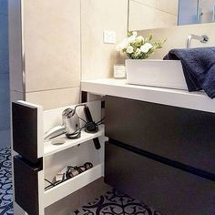 Small bathroom organization Ideas that will add more spaces during relaxation Pa. - Small bathroom organization Ideas that will add more spaces during relaxation Part 33 Bathroom Cabinets, Bathroom Furniture, Bathroom Sinks, Floating Bathroom Sink, Bathroom Rack, Glass Bathroom, Wooden Furniture, Outdoor Furniture, Modern Bathroom
