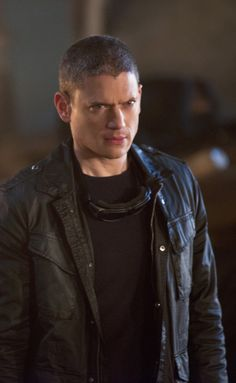 Legends of Tomorrow - 1x06 Captain Cold / Leonard Snart HQ