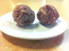 Sugar coated dessert doughnuts but not doughnuts
