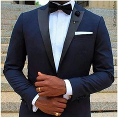 Midnight blue tuxedo with narrow peak lapel - Hochzeitsanzug - Blue Tuxedo Wedding, Wedding Suits, Wedding Tuxedos, Navy Blue Suits Wedding, Groom Attire, Groom And Groomsmen, Groomsmen Attire Black, Blue Groomsmen Suits, Groomsman Attire