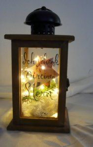 Geldgeschenke zu Weihnachten schön verpackt Liquor Cabinet, Table Lamp, Home Decor, Last Minute Gifts, Smoking Pipes, Light Chain, Picture Frames, Christmas Time, Table Lamps