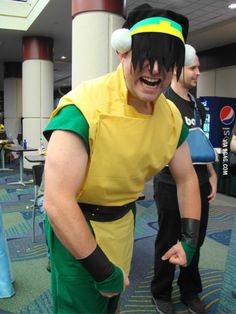 camasaurus: fullcosplay: COSPLAY: Male Toph / Avatar: the Last Airbender Ahhh, this is awesome! It looks just like the the Ember Island Players' Toph. Toph Cosplay, Epic Cosplay, Amazing Cosplay, Cosplay Outfits, Anime Cosplay, Avatar Aang, Avatar The Last Airbender, Team Avatar, Fire Nation