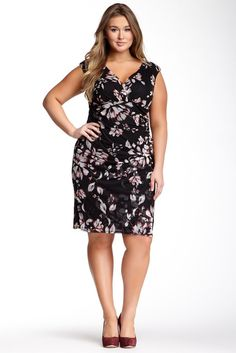 Maggy London London Times Cap Sleeve Ruched Side Dress (Plus Size)