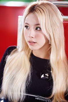 Tweets con contenido multimedia de misa •ᴗ• (@misayeon) / Twitter South Korean Girls, Korean Girl Groups, Twice Jyp, Sana Minatozaki, Chaeyoung Twice, Nayeon Twice, One In A Million, K Idols, Korean Singer